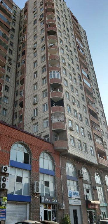 """Nəsimi rayonu, 2-ci mikrorayon, Memar Əcəmi metrosu, """"Yeganə şadlıq в Bakı"""