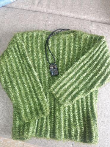 платья рубашки оверсайз в Кыргызстан: Продаю теплый и пушистый пуловер оверсайз (46-48 размер, возможно и