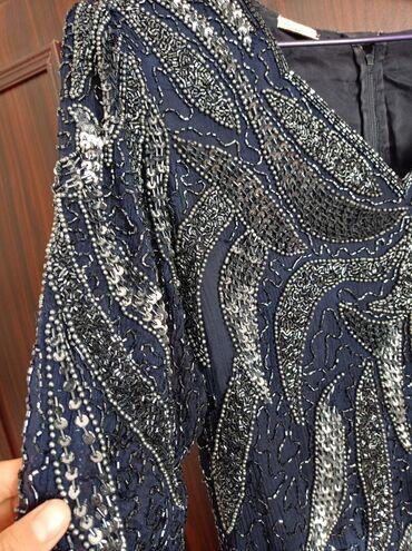 платья для женщин в Кыргызстан: Шикарное вечернее платье для женщин, длинное, очень хорошо сидит по