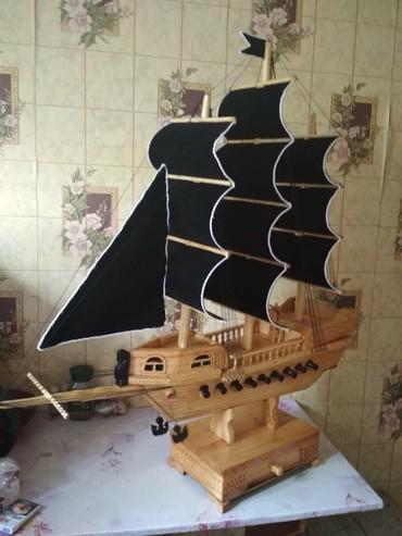 Модели кораблей - Бишкек: Корабли корабль ручная работа черный 2500, красный 1500 тел:+996