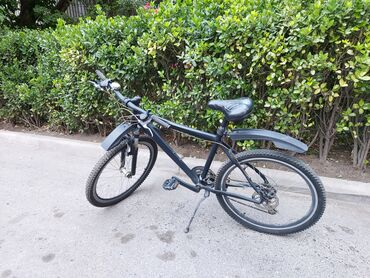 Şəxsə görə xüsusi yığılmış 26'lıq velosipeddir. Raması aliminium