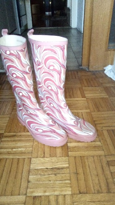 Personalni proizvodi | Obrenovac: Gumene čizme nove br 38 povoljno pozvati na br telefona