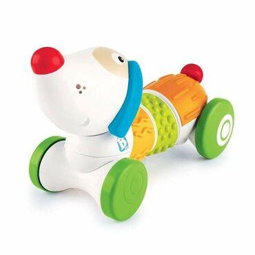 Kuca jarkih boja dizajnirana je tako da privuče bebinu pažnjuBeba može