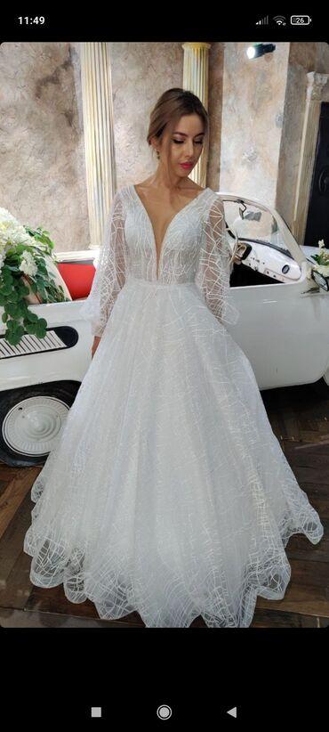 Личные вещи - Ала-Тоо: Продаю свадебное платьев отличном состоянии, одели один раз. Лёгкое, н
