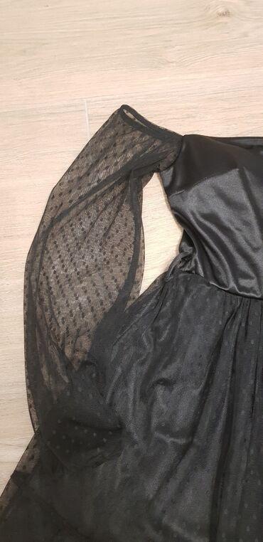 Crna cipkana haljina, M velicina, ali mogu i vece velicine jer ima
