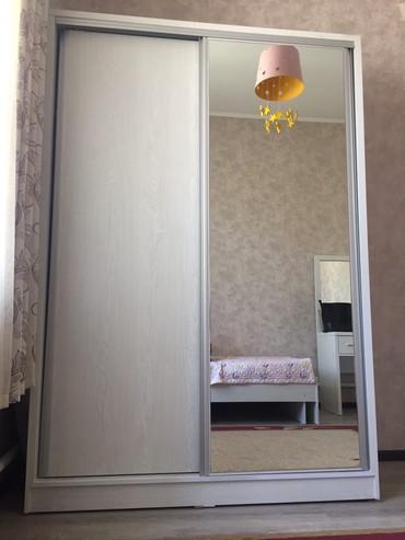 шкаф-3 в Кыргызстан: Шкаф купэ. В отличном состоянии. Пользовались 3 месяца, продаем в связ