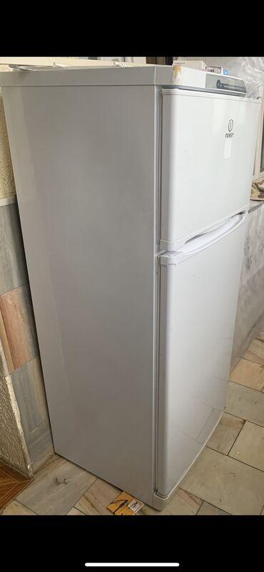 xaladenik satiram в Азербайджан: Б/у Двухкамерный Белый холодильник Indesit