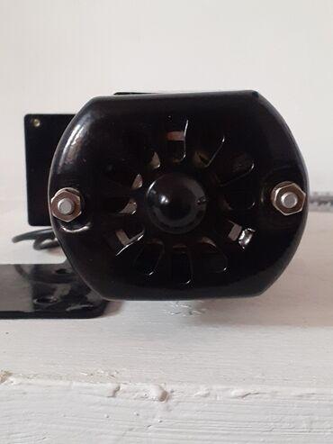 Мотор на швейную машинку.в отличном состояние целый