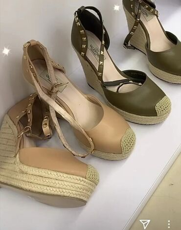 Обувь 39 размер продаю за 700