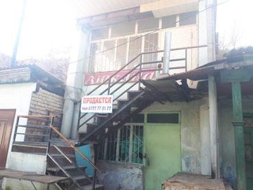 Склады и мастерские - Кыргызстан: Здание. Продаётся 2х этажное здание в центральном рынке в г.Ош около
