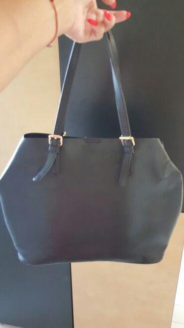 Tašne - Upotrebljen - Pozarevac: C&A torba Crna Bez ostecenja