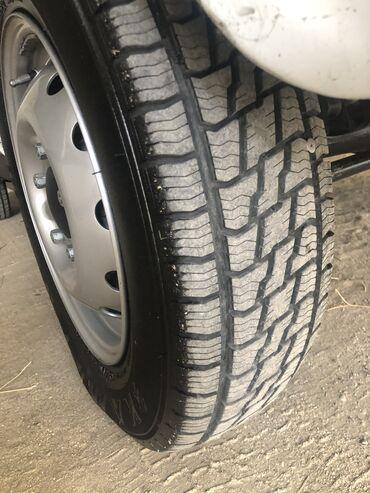 volkswagen-golf-1-4 в Азербайджан: Niva tekerleri İdeal vezyetdedi 10 min sürülmüyüb heç teze tekerler