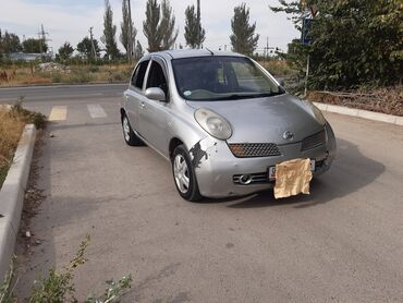 Nissan March 1.2 л. 2003 | 246059 км