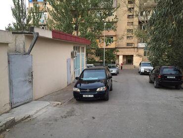 Qarajlar - Azərbaycan: Neftçilər metrosuna 15 dəq məsafədə obyekt kirayə verilir. İçi