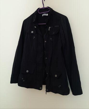 Kvalitetna jakna zenska. Vel M. Odličnog materijala