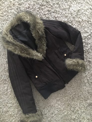 Adidas jakna ima i pojas crni  - Novi Sad