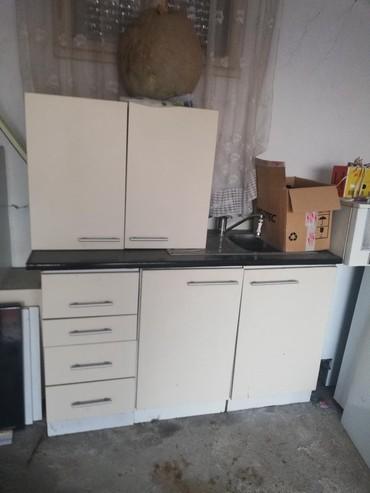 Personalni proizvodi - Zitorađa: Kuhinja sa sudo mašinom, aspiratorom, sudoperom, ocuvana