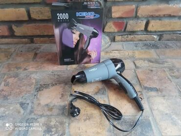 Elektronika - Kursumlija: Fen za kosu jacine 2000 wati Dve brzine  Topao vazduh hladan vazduh