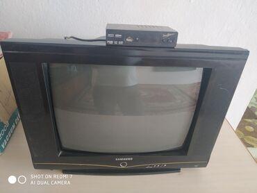 Продаю телевизор и санарип обе рабочие хорошем состоянии цена за две