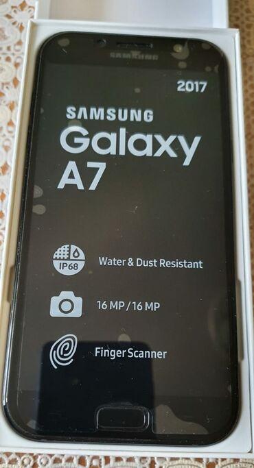 Б/у Samsung A7 32 ГБ Черный