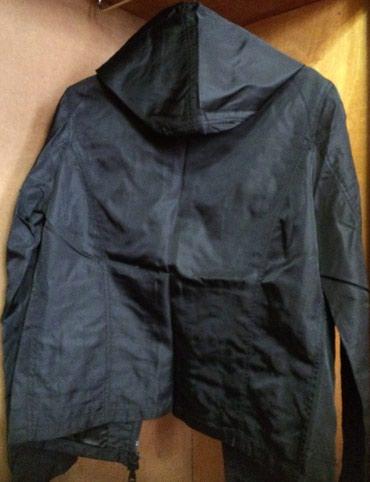 Куртка-ветровка от Бенеттон б/у в отличном состоянии