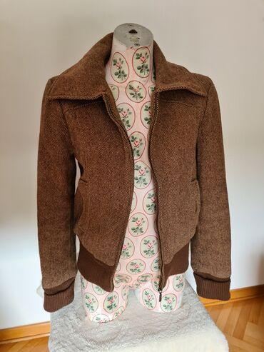 Only pantalone tj - Srbija: Braon retro jakna, velicina 36.Na slici je prikazano malo oštećenje na