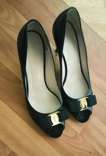 Итальянские туфли все фирменные,размеры 38-40 Б/у ниже себестоимости
