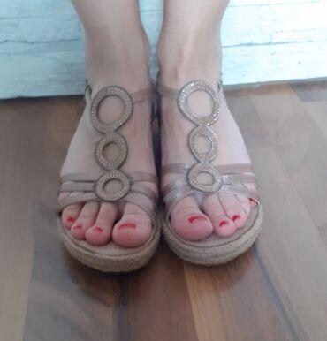 Prelepe Bata sandale broj 39 original izuzetno udobne i lagane