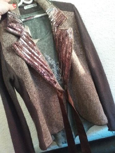 2u1 i bluza maslinasto zelena i kaputic vunjeni sa sljokicama koji se - Novi Pazar