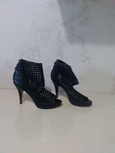 Другая женская обувь - Сокулук: Красивые,шикарные босоножки на узкую ножку ! Размер 37! Одевала один