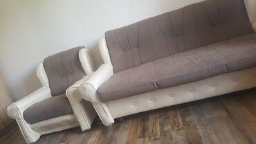 Setovi namještaja   Arandjelovac: Presvucen trosed i fotelja, bili su stari, pa je preuredjeno i