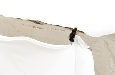 платье в Кыргызстан: Сдаю напрокатШикарное платье, идеально подойдет на фотосессию Шлейф 2