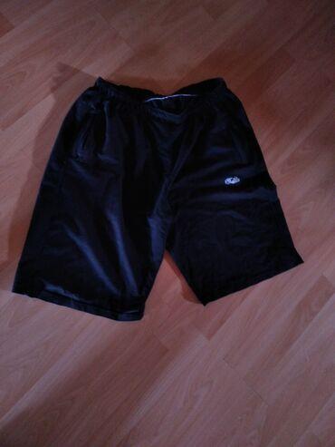 Personalni proizvodi - Jagodina: Muski sorts u crnoj boji. Bez ostecenja, kao nov.Velicina 3XL.Za sva
