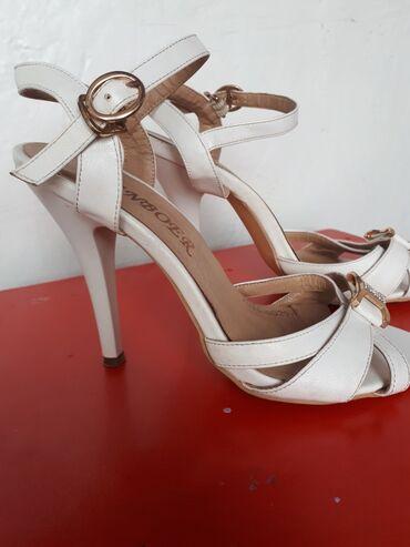 Личные вещи - Ош: Туфли в отличном состоянии. Надевала все раз