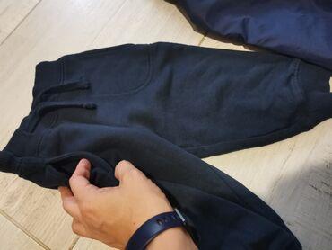 Dečija odeća i obuća - Smederevska Palanka: H&M debela trenerka za dečake. Kao nova. Teget boje. Vel 80