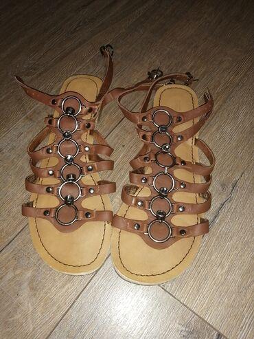 Zenske sandale, kozne, nema oštećenja, očuvane, nosene jednom,kao sto