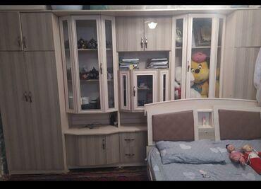Мебель - Кызыл-Кия: Продается стенка, в отличном состоянии