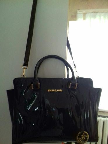 Лаковая сумка Michael kors мало ношеное в Бишкек
