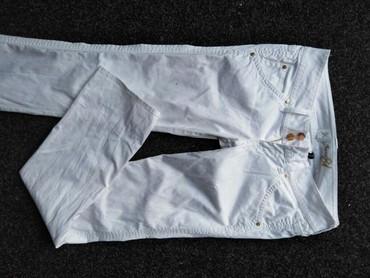 Pantalone-bele-clockhouse - Srbija: Guess pantalone bele bez mane,ve26