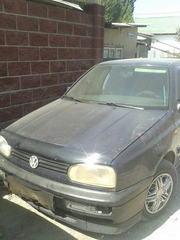 Volkswagen Golf 1993 в Бишкек