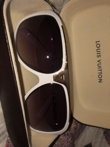 louis vuitton klatch в Кыргызстан: Продаются очки Louis Vuitton