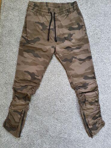 Nove Hm pantalone, velicina 32.Uz vise kupljenih artikla na mom