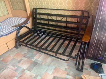 Продаю кровать 2 В 1 кровать + диван хорошее состояние 4000 окончатель