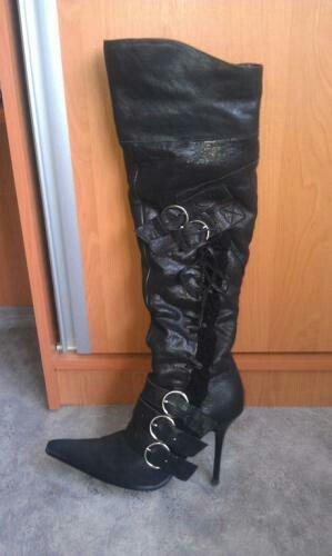 продаю сапоги 37 размера. абсолютно новые с коробкой. кожа и мех цигей в Бишкек