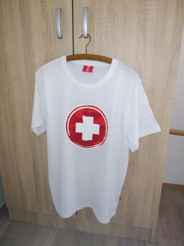 Muška odeća | Trstenik: Nova muška majica sa grbom Švajcarske. M veličina, mada je veća