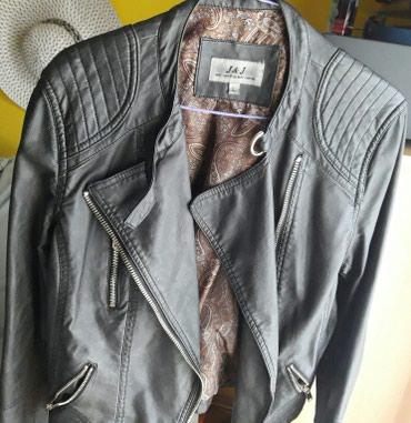 Crna jaknica od eko kože. Veličina L. - Vranje