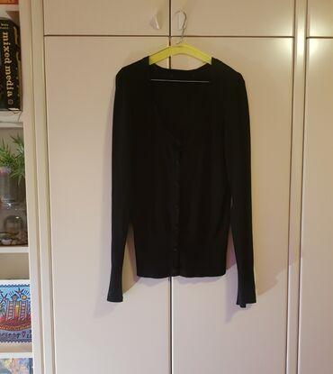 New Yorker pulover na kopčanje - must have komad - klasičan crni