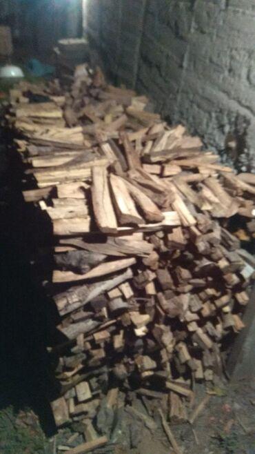 Дрова дрова дрова отун сатам.Большой мешок из под муки 250 сом.Куб --