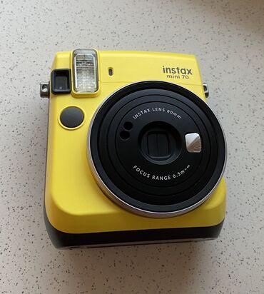 Foto və videokameralar - Azərbaycan: Instax Mini 70 Polaroid kamerası + 1 paket polaroid filmi (içində 10