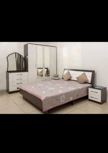 Спальный гарнитур состоит из высококачественного материала выходить